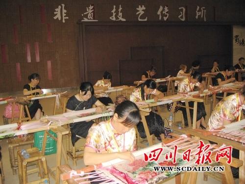 成都建成蜀绣产业核心发展区