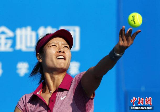 WTA深圳公开赛 李娜轻取对手晋级八强