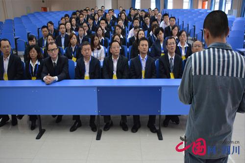 五马坪监狱发挥警示教育作用深化群众路线教育实践活动