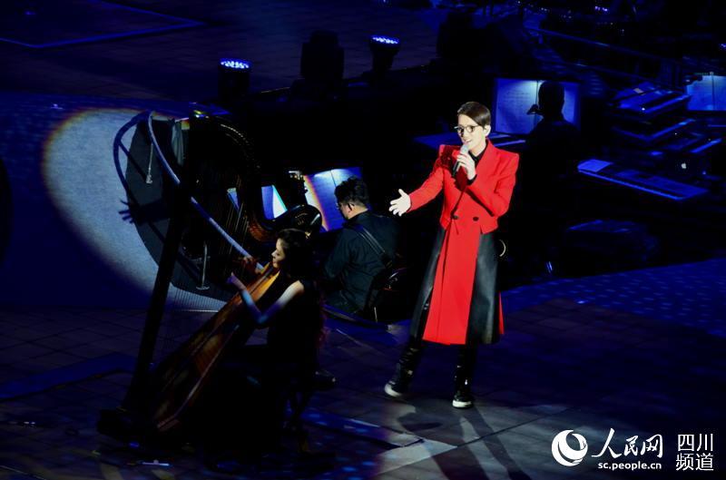 林志炫成都演唱会千人合唱图片