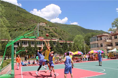 马尔康地区学校体育联盟篮球联赛开赛 - 教育