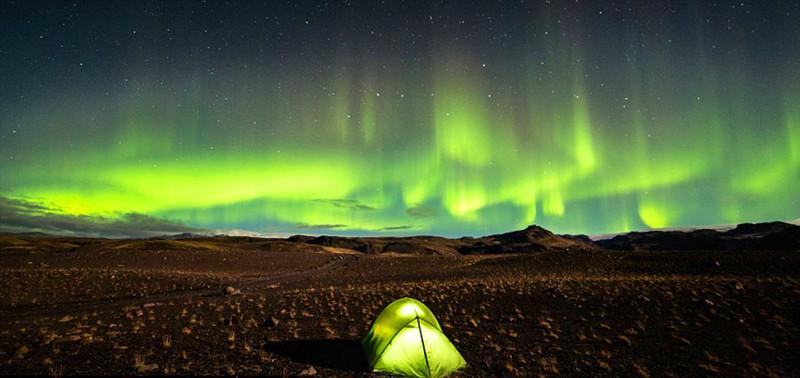 冰岛南部绚丽的北极光