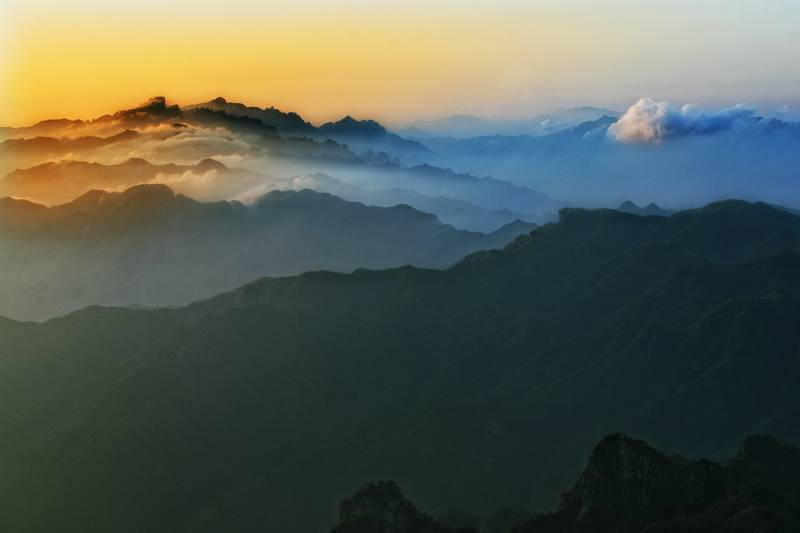 夕阳风景水彩画名山