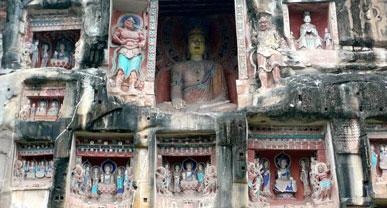 海外华文媒体惊叹巴中南龛石窟雕刻精湛