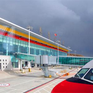 """九黄机场让""""北上广""""游客轻松欣赏黄龙美景"""
