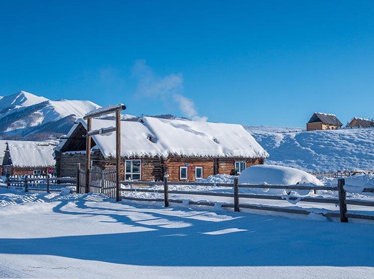 冬季图瓦人村落禾木村 景致美如童话