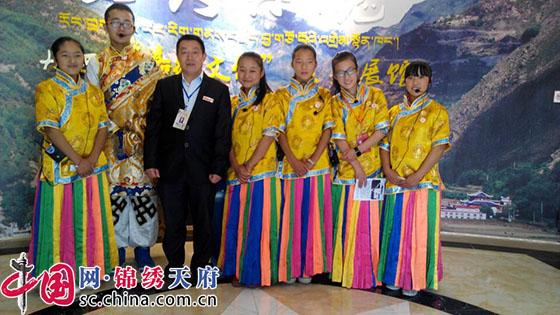 成都援藏教师:两年援藏路 一生汉藏情