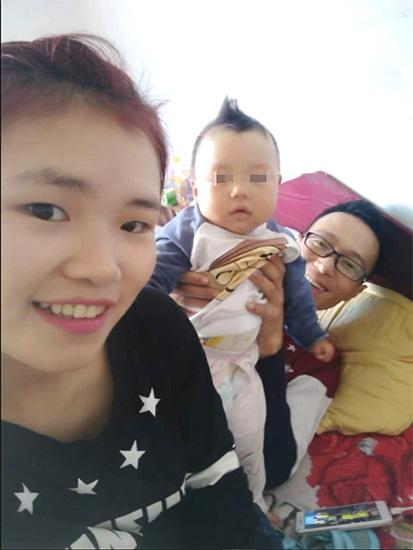 '王贵州很喜欢孩子,在他老婆的手机裏有很多和孩子的合照
