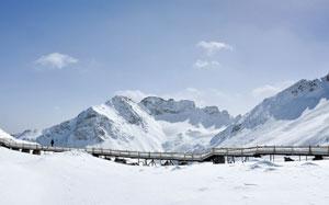 阿坝州达古冰山瞄准高端旅游市场 向上海游客发出邀请
