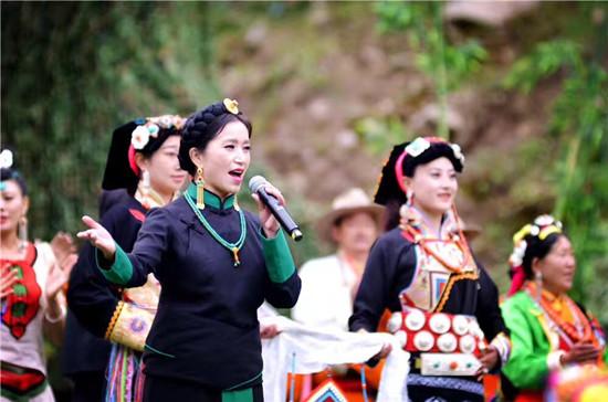 多样化呈现嘉绒藏族文化