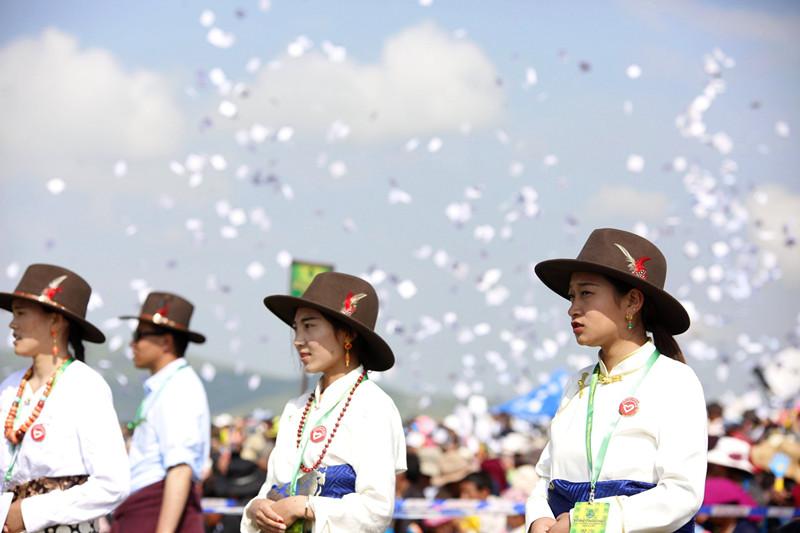 若尔盖盛夏庆典—雅敦节开幕