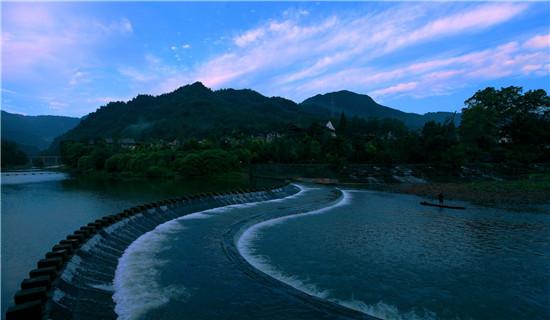 壁纸 风景 山水 桌面 550_320