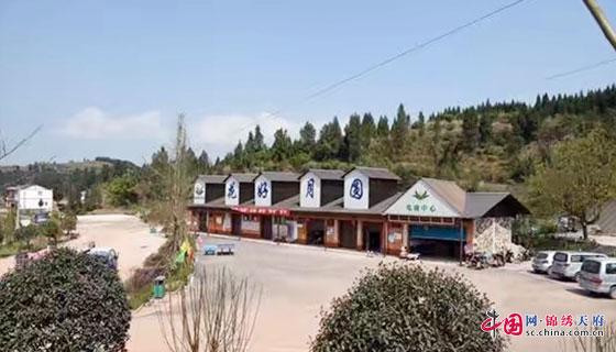 > 正文     据了解,南充市花好动物园于2016年开建,园区内建有观光